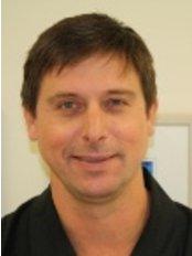 Dr Andy Kerschbaumer