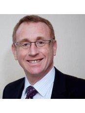 Dr Stephen Lazarus