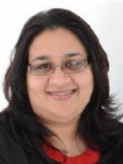 Dr Rakhshi Qureshi