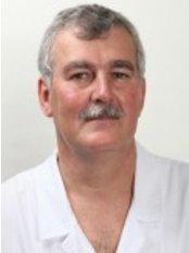Dr Dirk Van Der Spuy