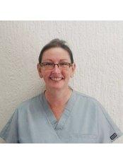 Dr Annette Robinson