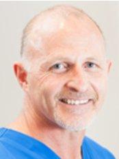 Dr Andre Potgieter