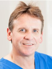 Dr Francois Smit