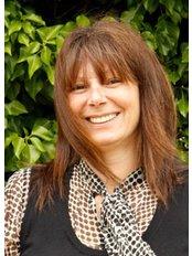 Miss Gail Chapman